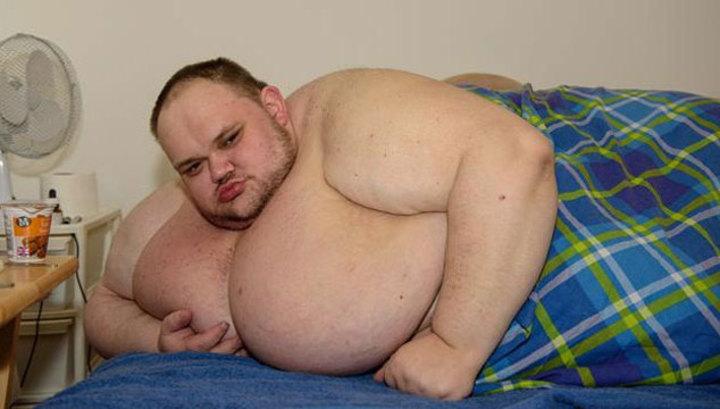 kövér fiú akar lefogyni mikor enni zsírégetőket
